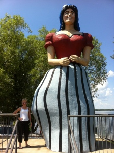 Statue of Lucette, Paul Bunyan's Girlfriend